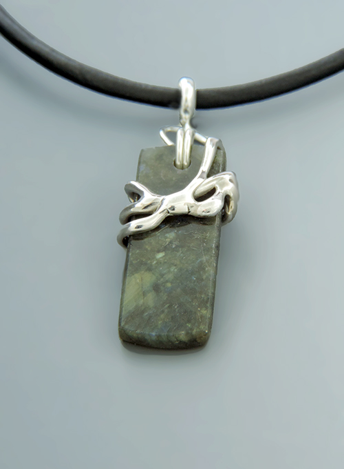 Ponche de Pina Labradorite & Sterling Necklace